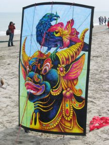 Artists-and-Makers-Kites